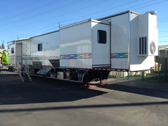 Carnival Rides : House Trailer