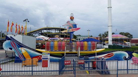 Amusement Park Rides : Surf's Up