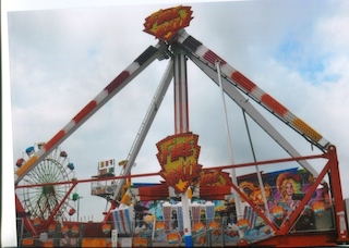 Amusement Rides : Fireball