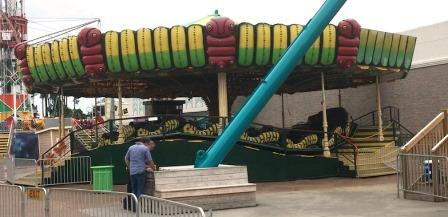 Carnival Rides : Caterpiller /amor express